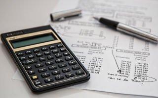 calculation-insurance-finance-320