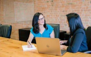 talk with the insurance advisor 320