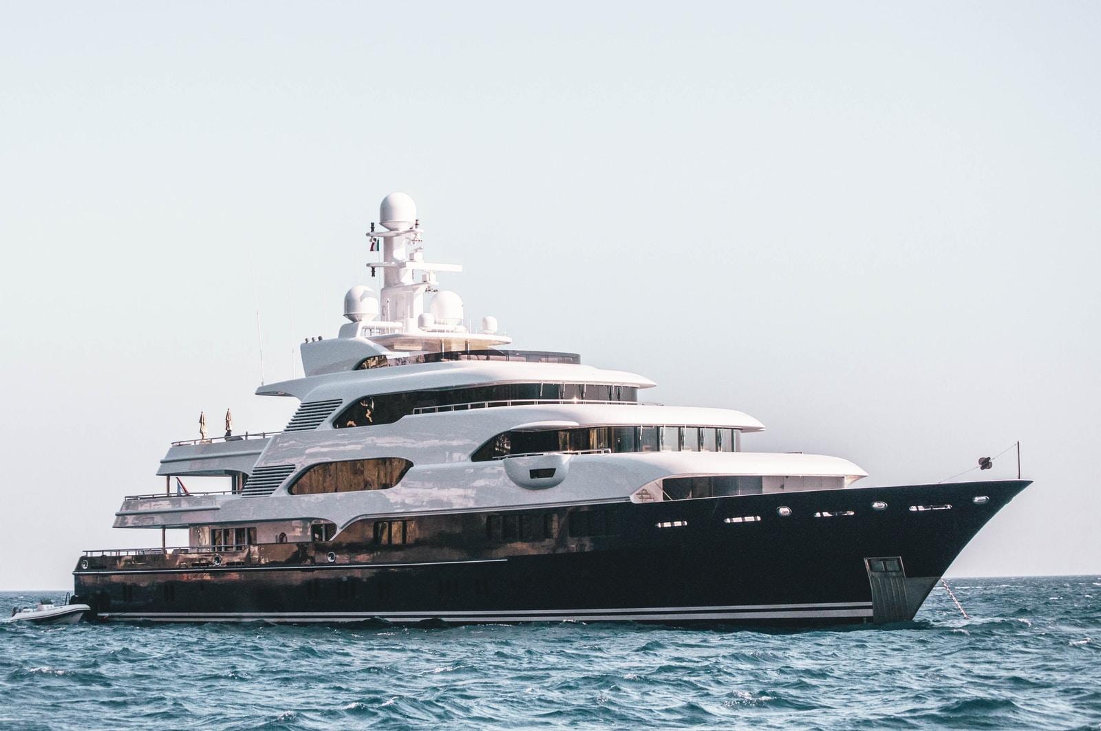 cruise ship yacht rich