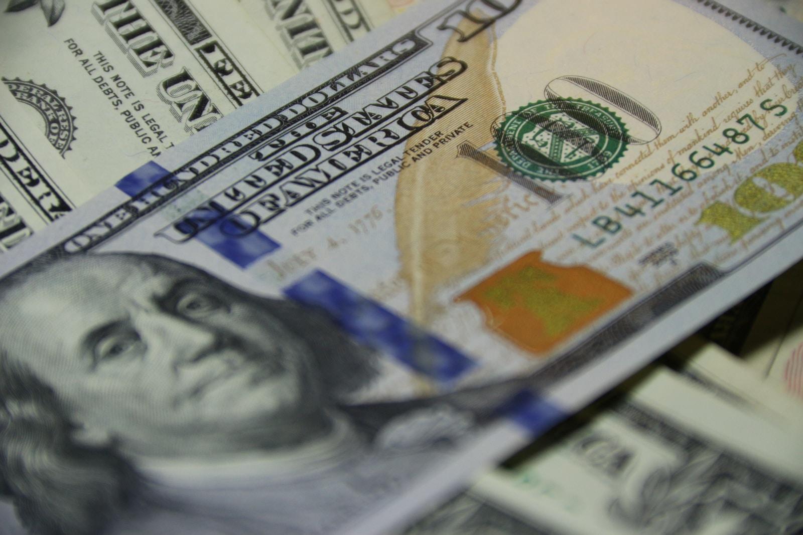 100 US dollar banknote money cash